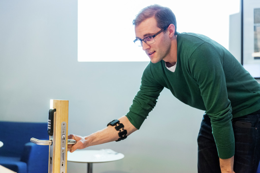 Home automation wristband